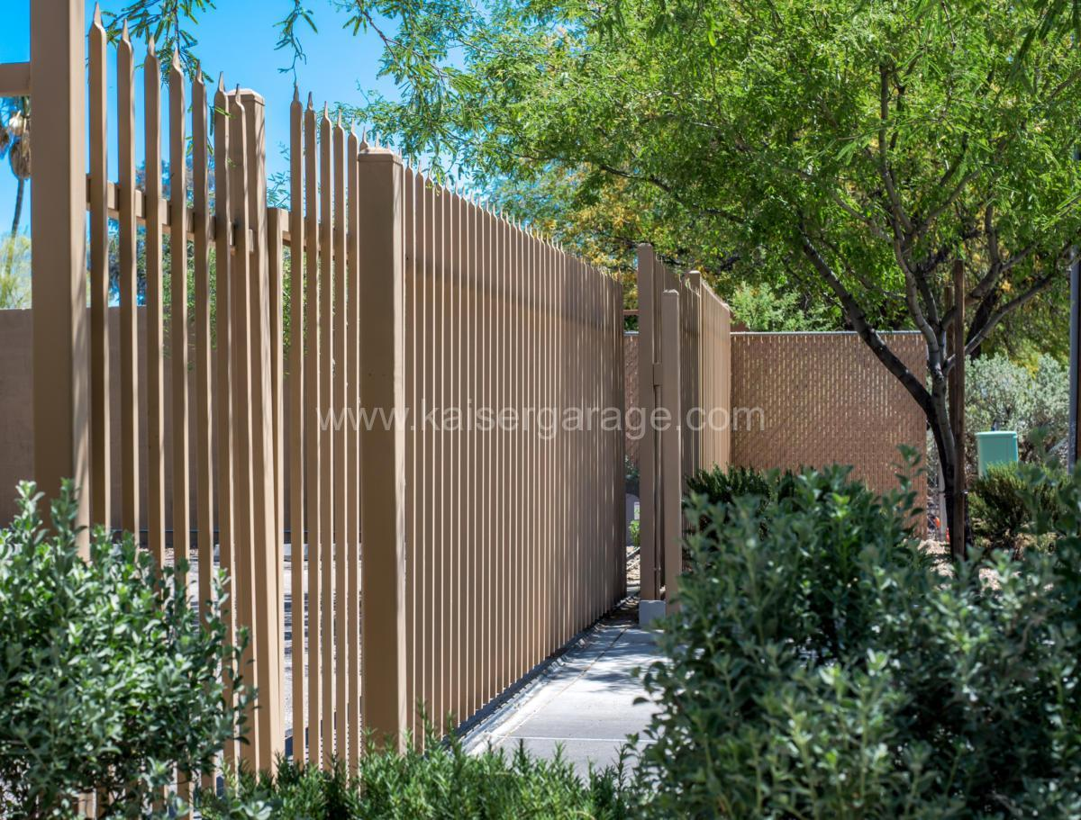 kgdg-custom-gate-commercial-entry-side